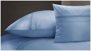 Однотонное постельное белье из сатина голубого цвета