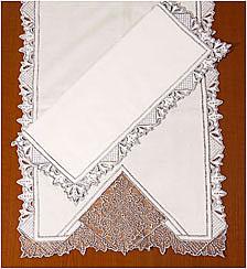 Дорожка и салфетка c вышивкой Снежана